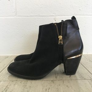 STEVE MADDEN WANTAGH / 8